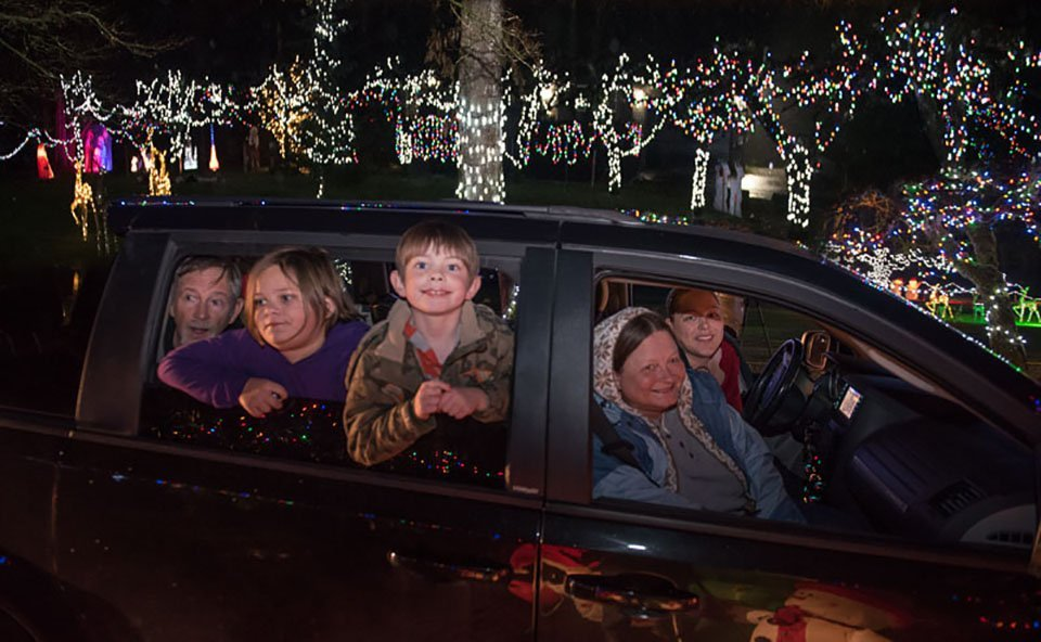 And then I got to visit again once the lights were up. The displays were beautiful and the look on the faces of the appreciative families made all the set up worthwhile.
