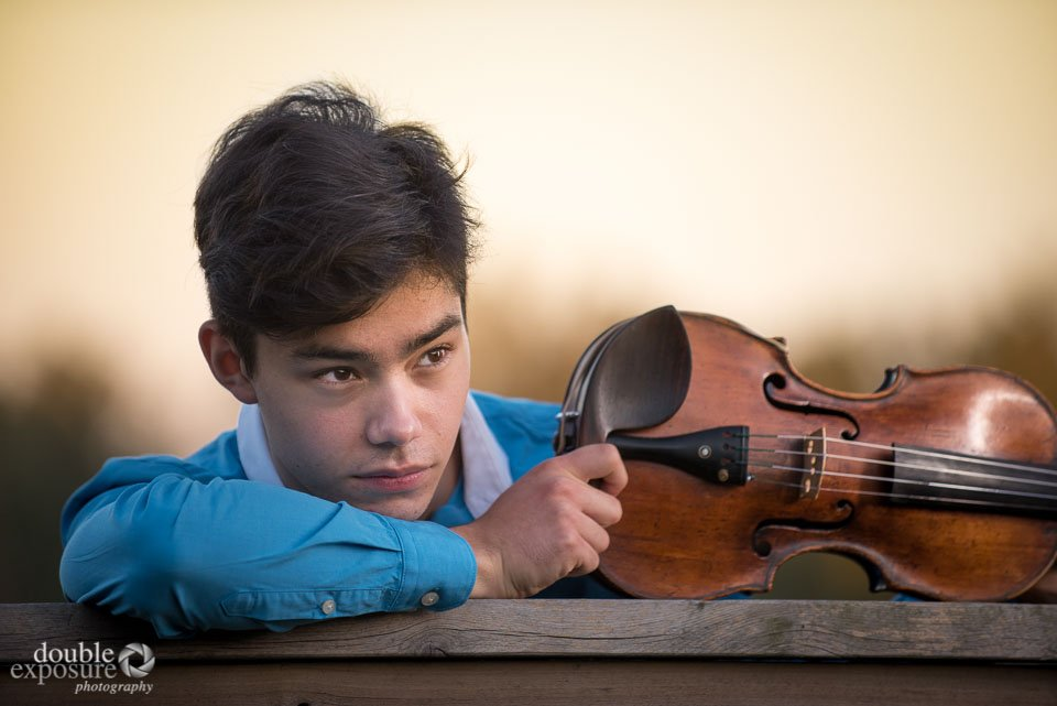 violinist and his violin