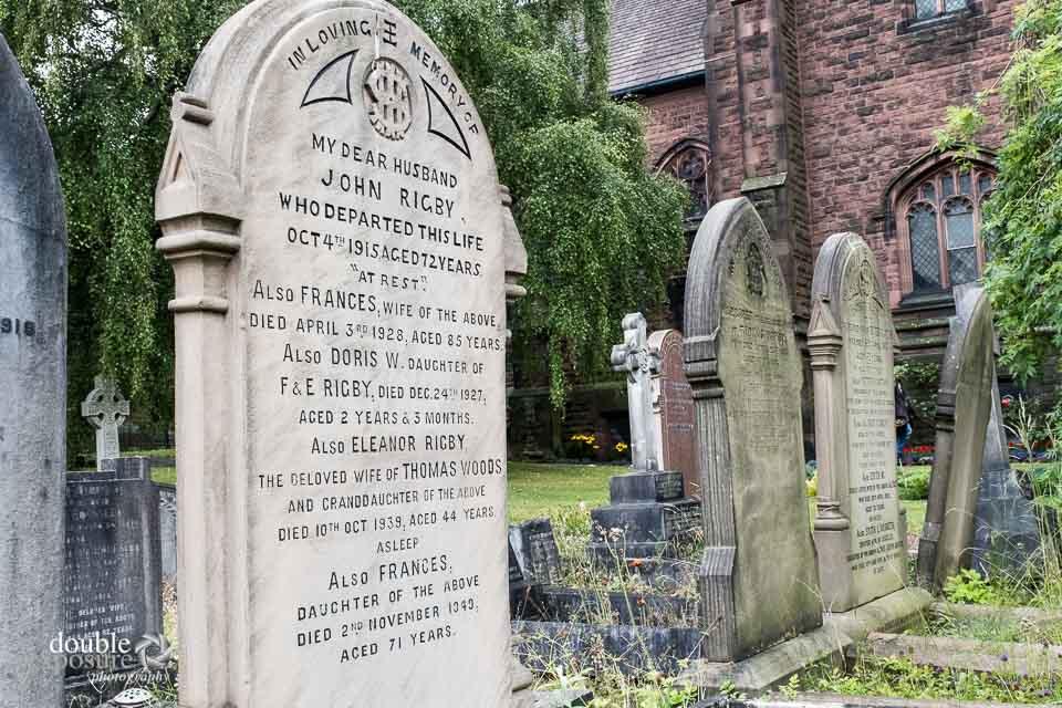 gravestone of Eleanor Rigby